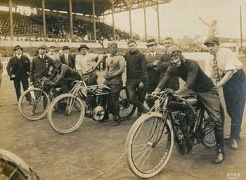 MC-39   The Big Race | Motorcycle Archives